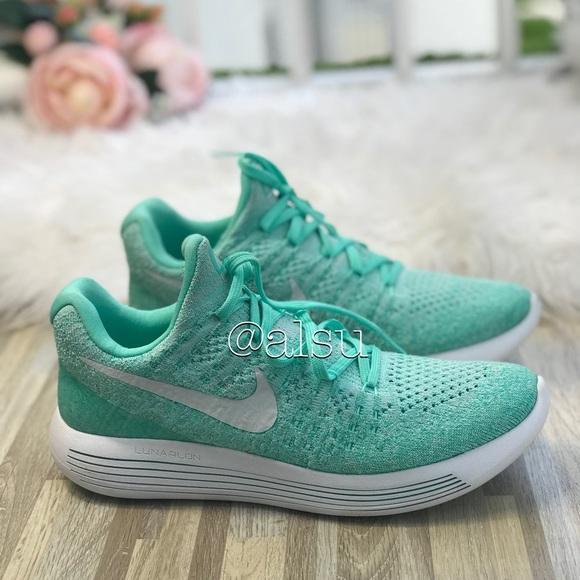 sports shoes e85b6 13b19 NWT Nike Lunarepic Low Flyknit 2 Hyper Turg WMNS NWT